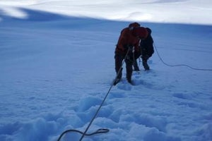 Survival Lab: Make a Snow Anchor